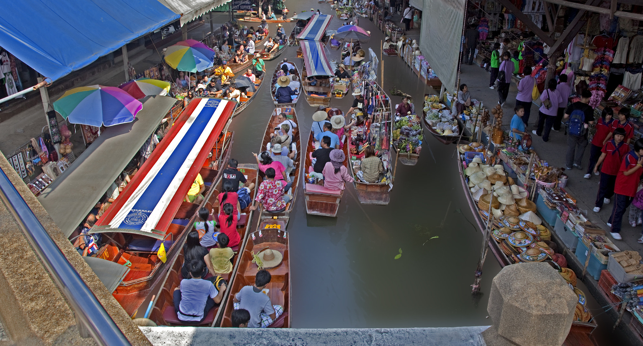 Photograph Floating market by Warren  on 500px