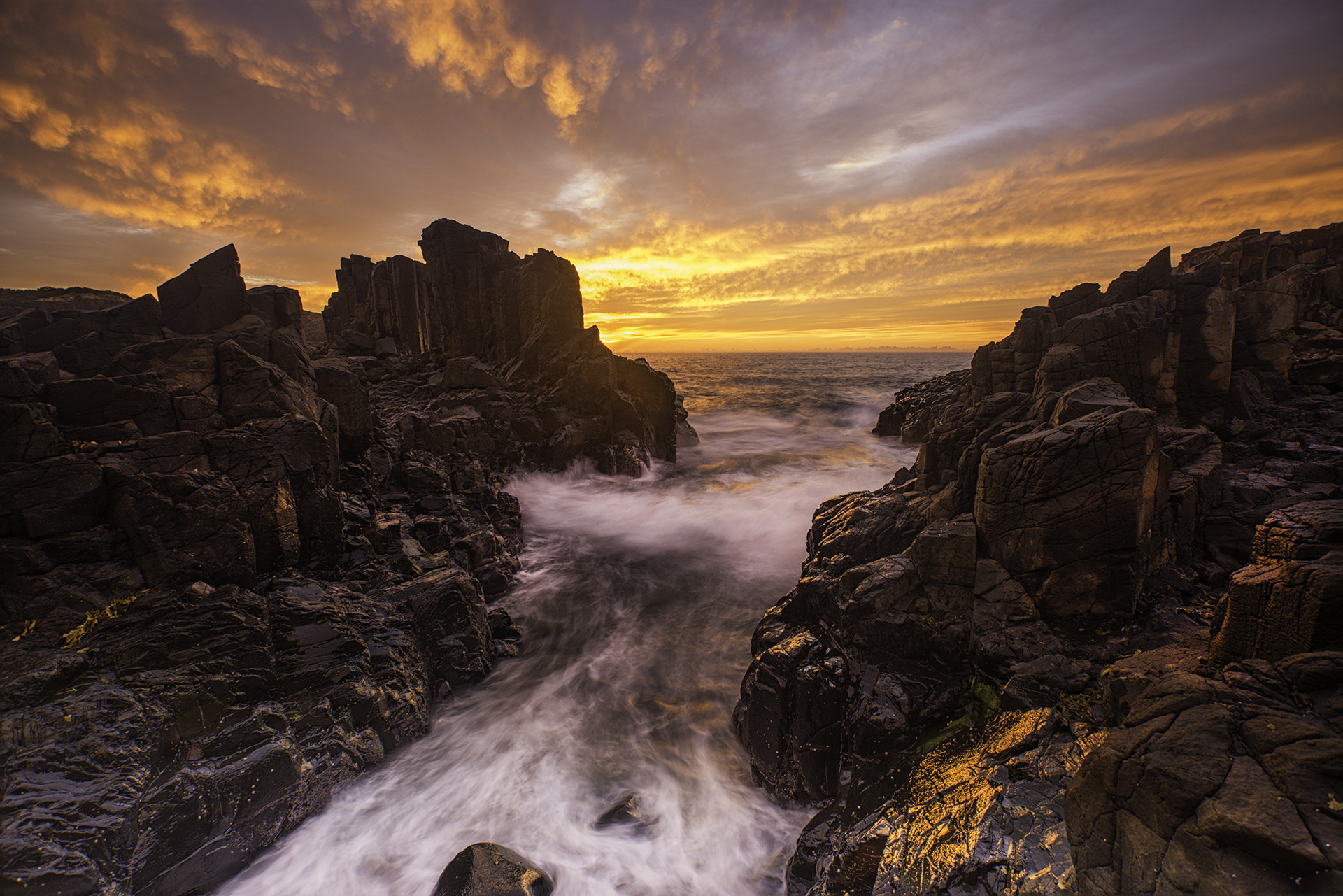 Photograph Bombo Quarry by Adrian De Vittor on 500px