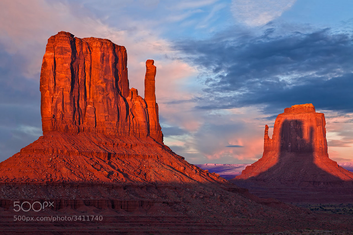 Photograph Mitten Shadow by Guy Schmickle on 500px