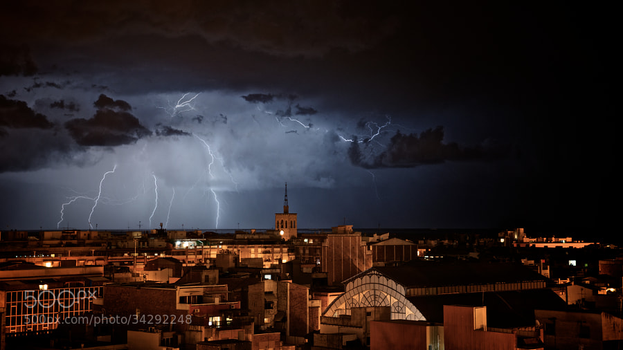 Lightning by Jose Roldán Delgado (joseroldan)) on 500px.com