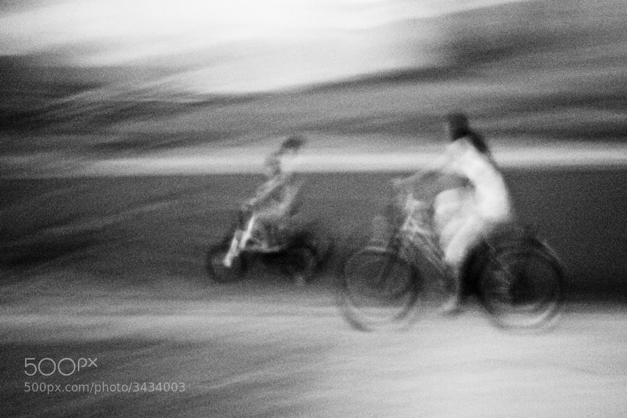 Photograph Vélos by Hengki Lee on 500px