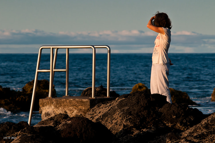 Photograph The woman and the sea by José Maria Oliveira on 500px