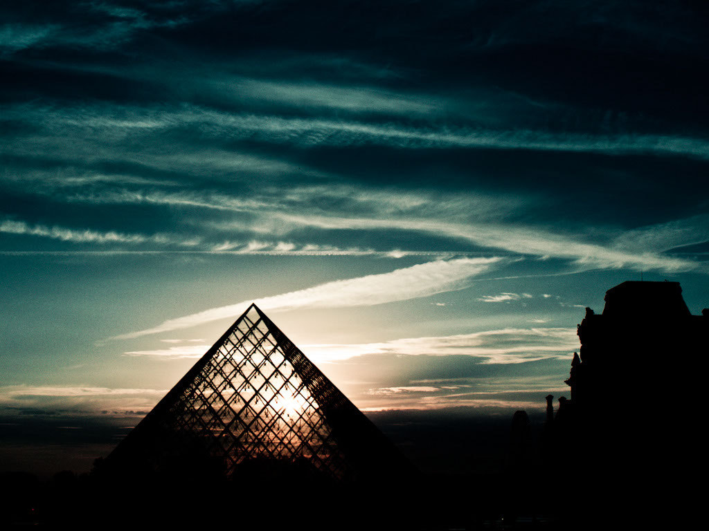 Photograph Louvre at sunset by Rodrigo Bressane on 500px
