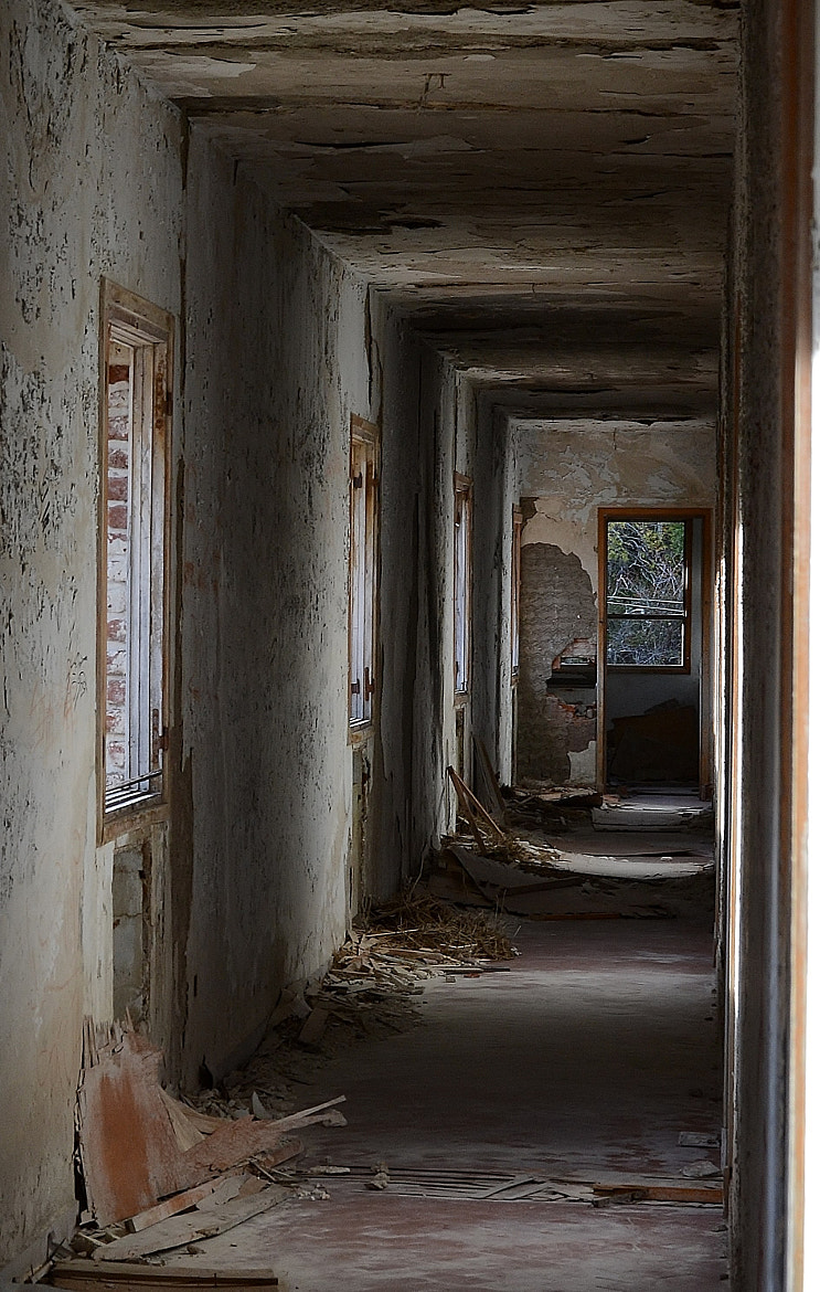 Photograph In Ruins Hotel... by Mónica  Paiva on 500px