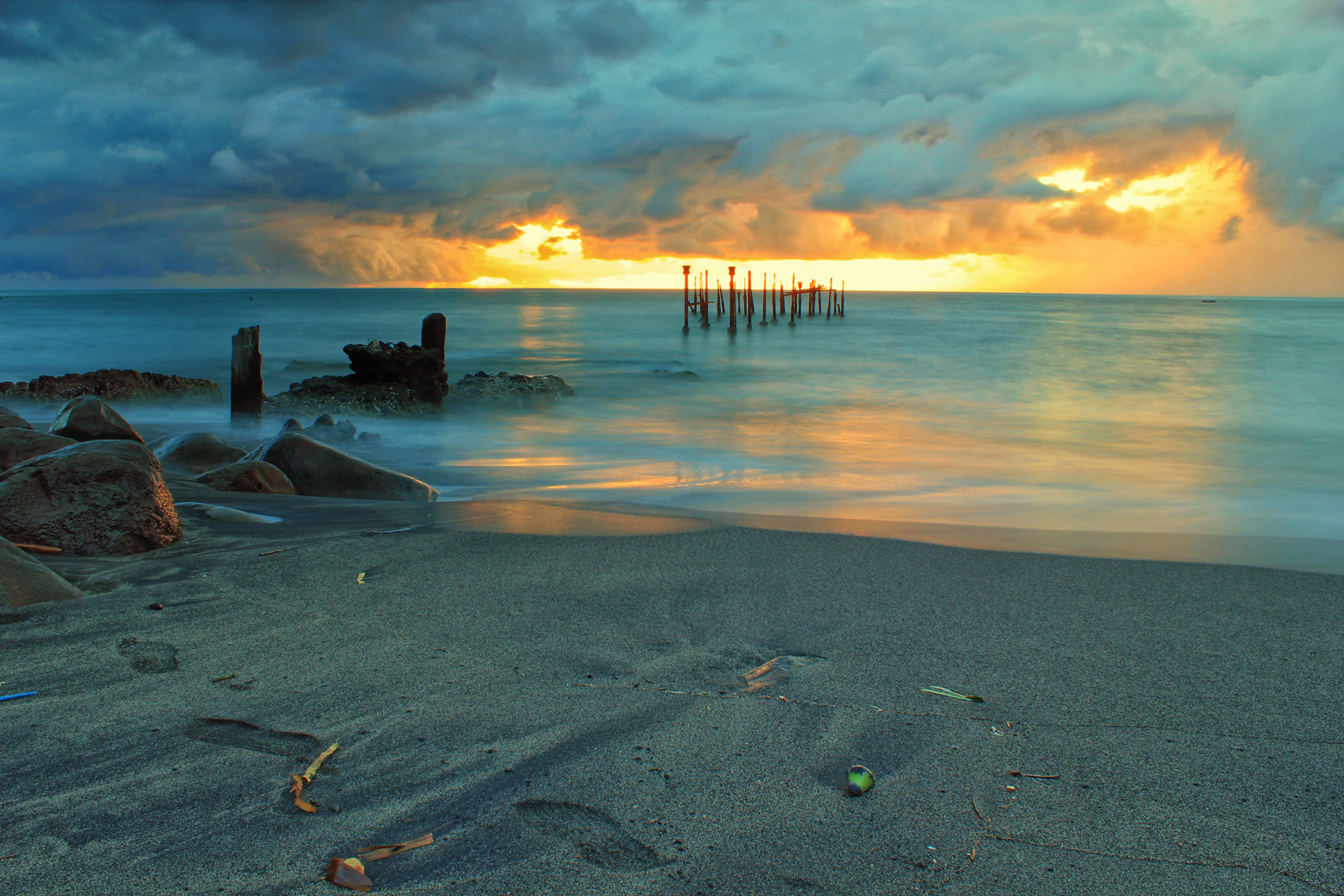 Photograph Ex-Ampenan Harbour by Eep Ependi on 500px