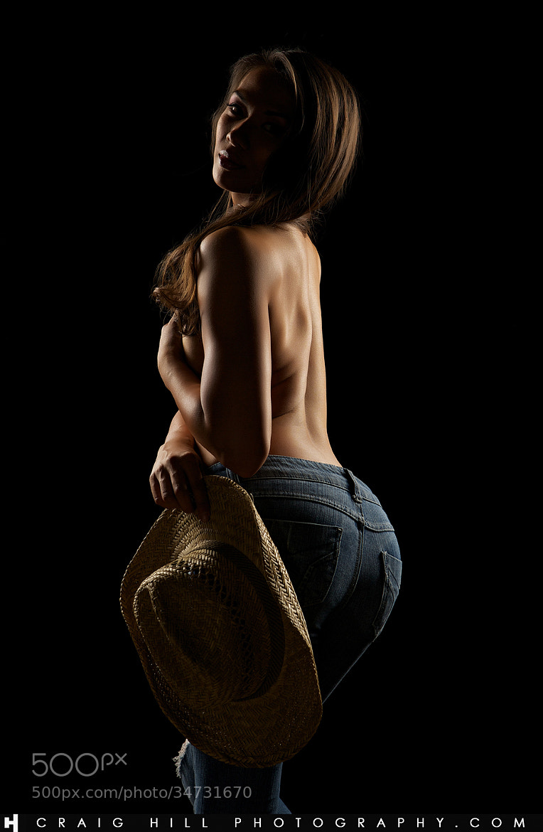 Photograph Alia in Jeans by Craig Hill on 500px