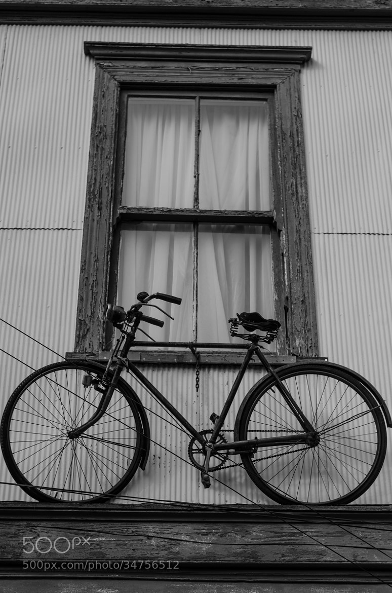 Photograph Hanging Bicycle by Francisco  Pérez Phillips on 500px
