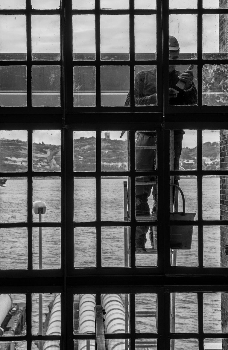 Photograph Trapped on the outside by Johnny Bravo on 500px