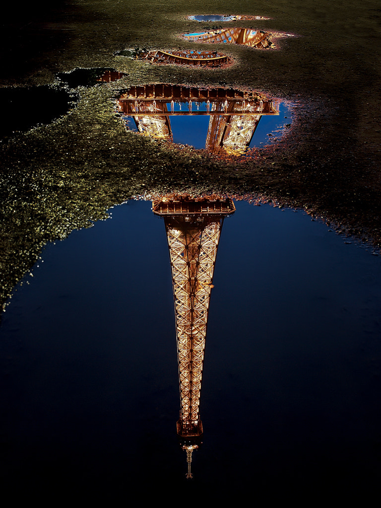 Photograph Reflections of an iconic tower by Kevin Pepper on 500px