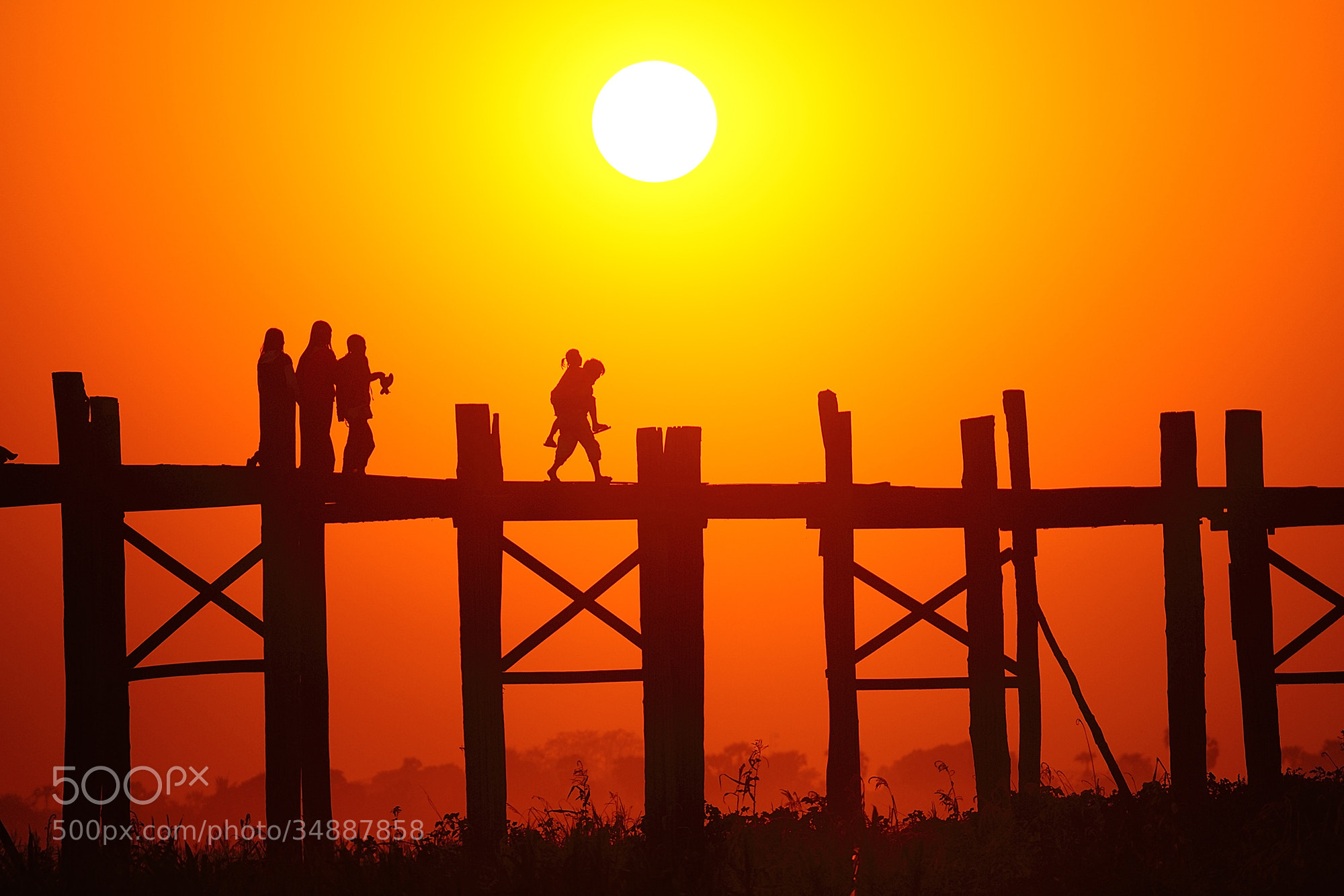 Photograph Family by Puchong Pannoi on 500px