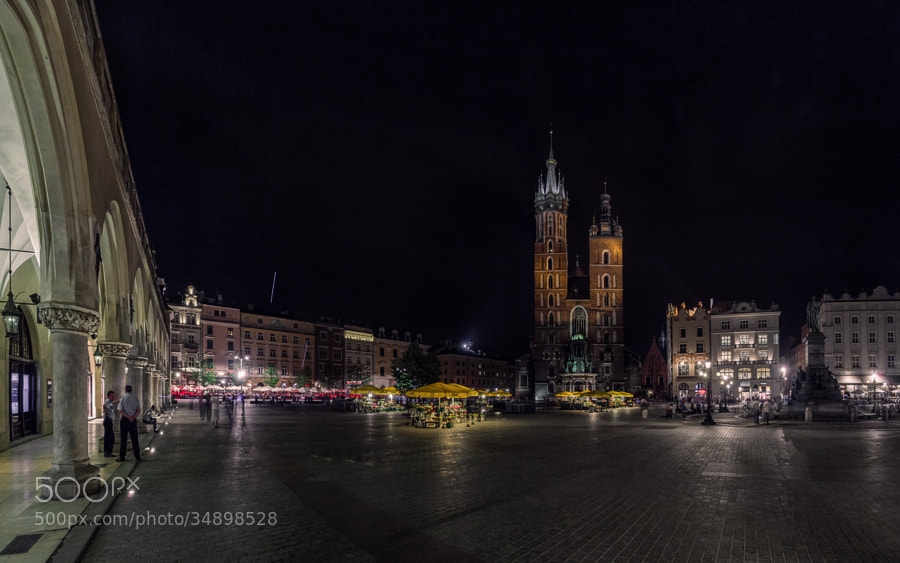Main Square (Rynek Główny) in historical centre of Cracow by night