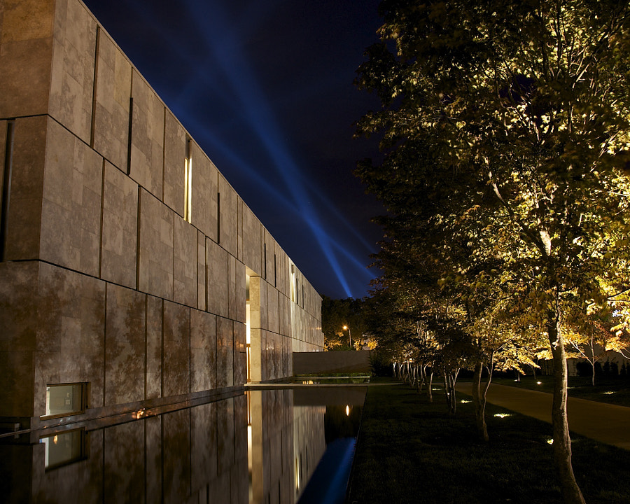 Spotlights over the Barnes