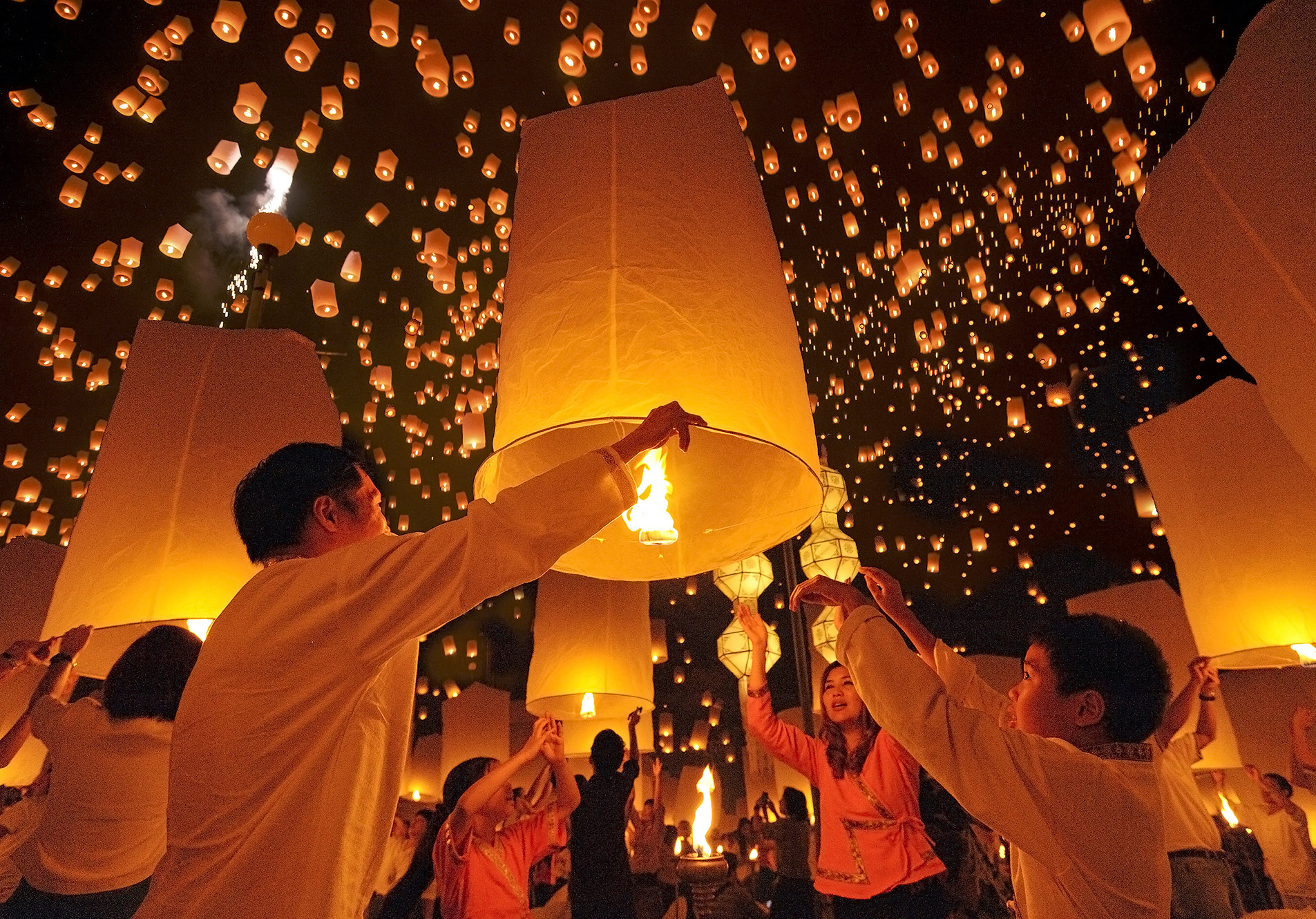 Photograph Floating Lanterns Festival  by Puchong Pannoi on 500px