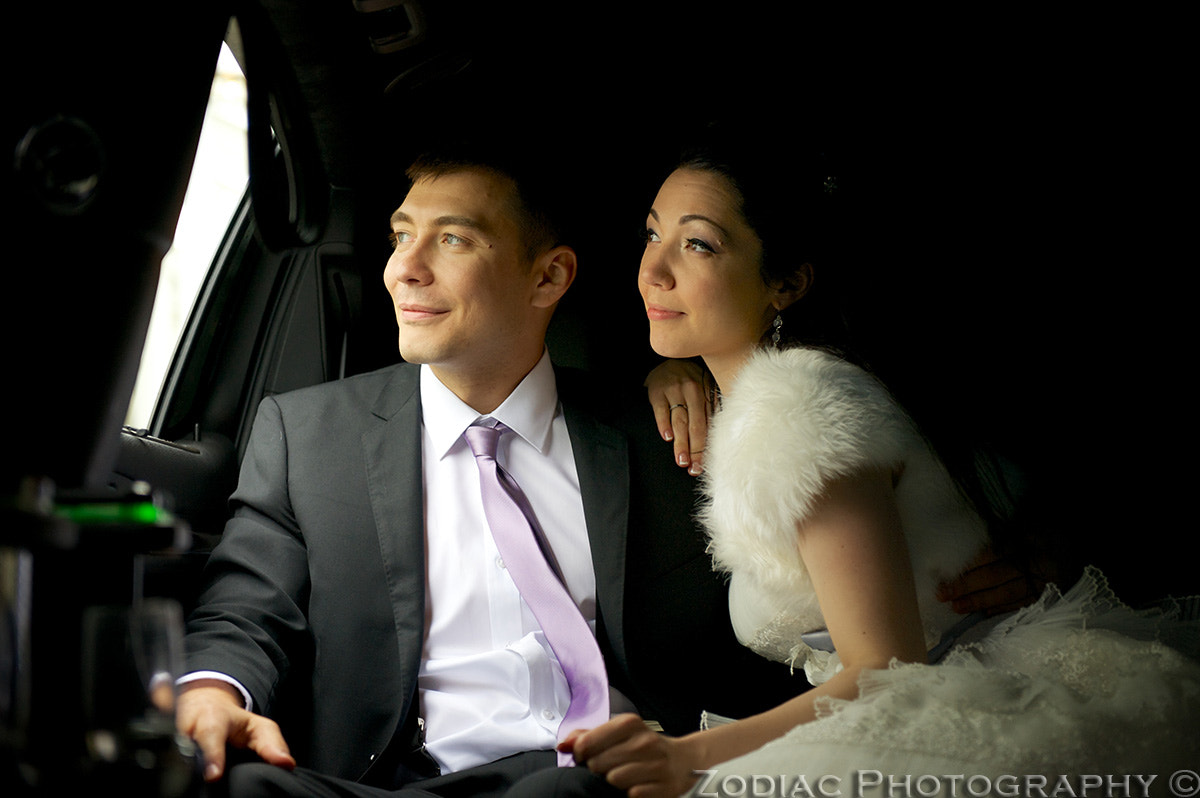 Photograph Bride and Groom in a Limo by Zodiac  Photography on 500px