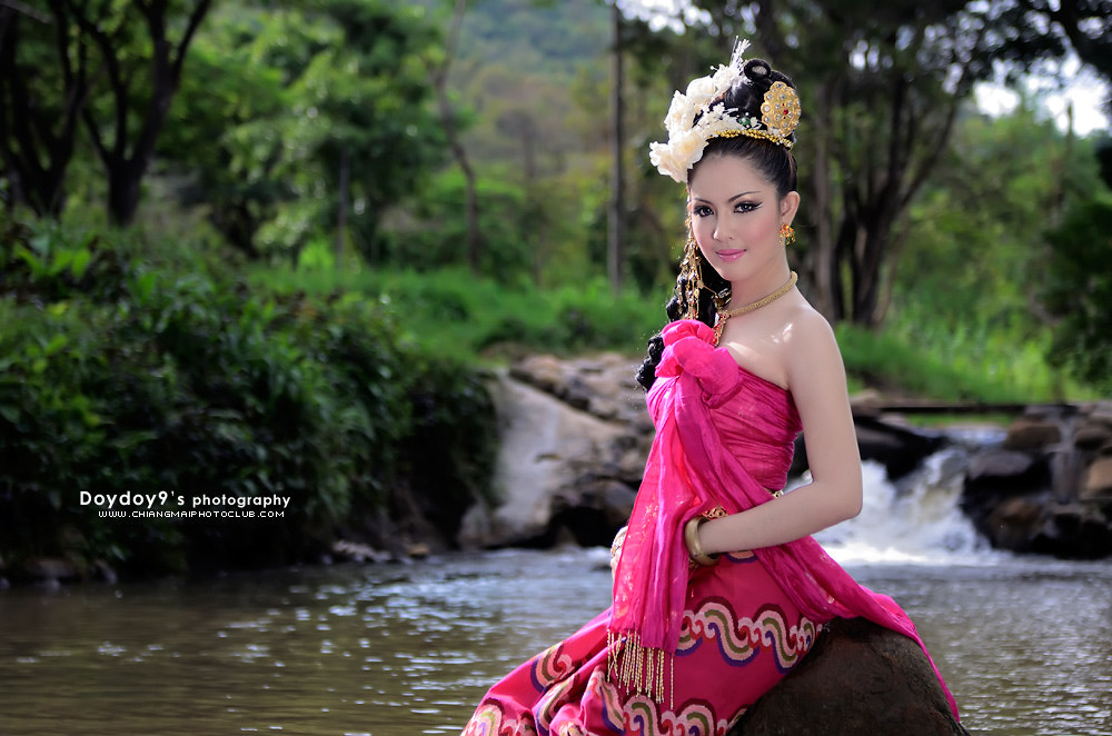 Photograph Northern Thai women in clothing applications in the past. by Doy Pdamobiz on 500px