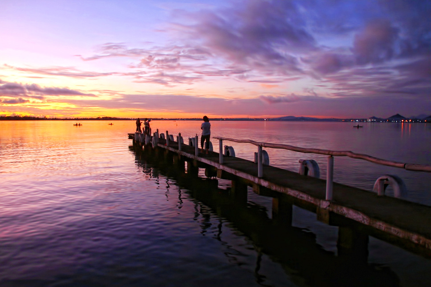 Photograph Balyuan pier at sunrise by Vey Telmo on 500px