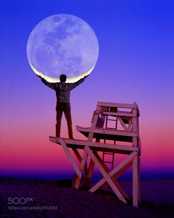 Photograph Moon Holder by Larry Landolfi on 500px