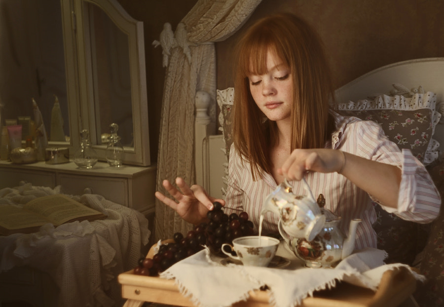 Photograph Alice at breakfast by Ilina  Viktoriya on 500px