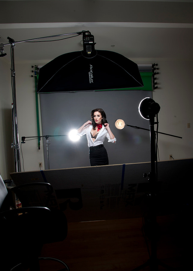 older setup with foamcore reflector which was a hassle ;)