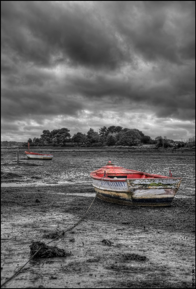 Photograph Small Red Barques by Emmanuel LEMEE on 500px