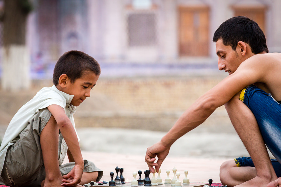 Photograph Playing chess in Bukhara by Damon Lynch on 500px