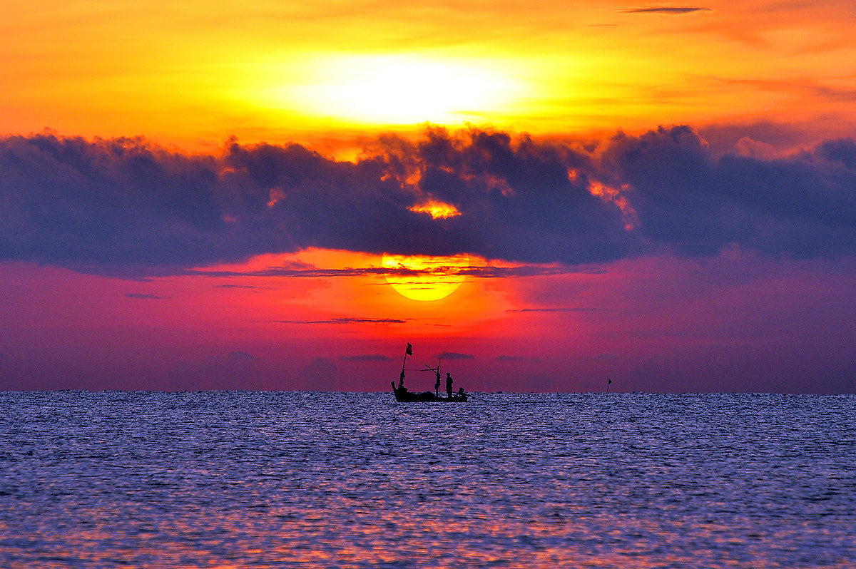 Photograph Under the same sun... by Puchong Pannoi on 500px