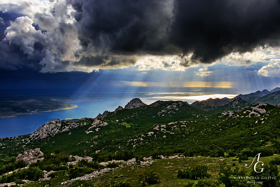 At the end of a very unstable day with frequent showers, the final and most powerful storm is approaching Velebit. It was amazing, but as I was on the bike also a bit discomforting sight. In 20mins heavy rain and hail made me soaking wet to the bone in few seconds, but it was definitely worth it :)