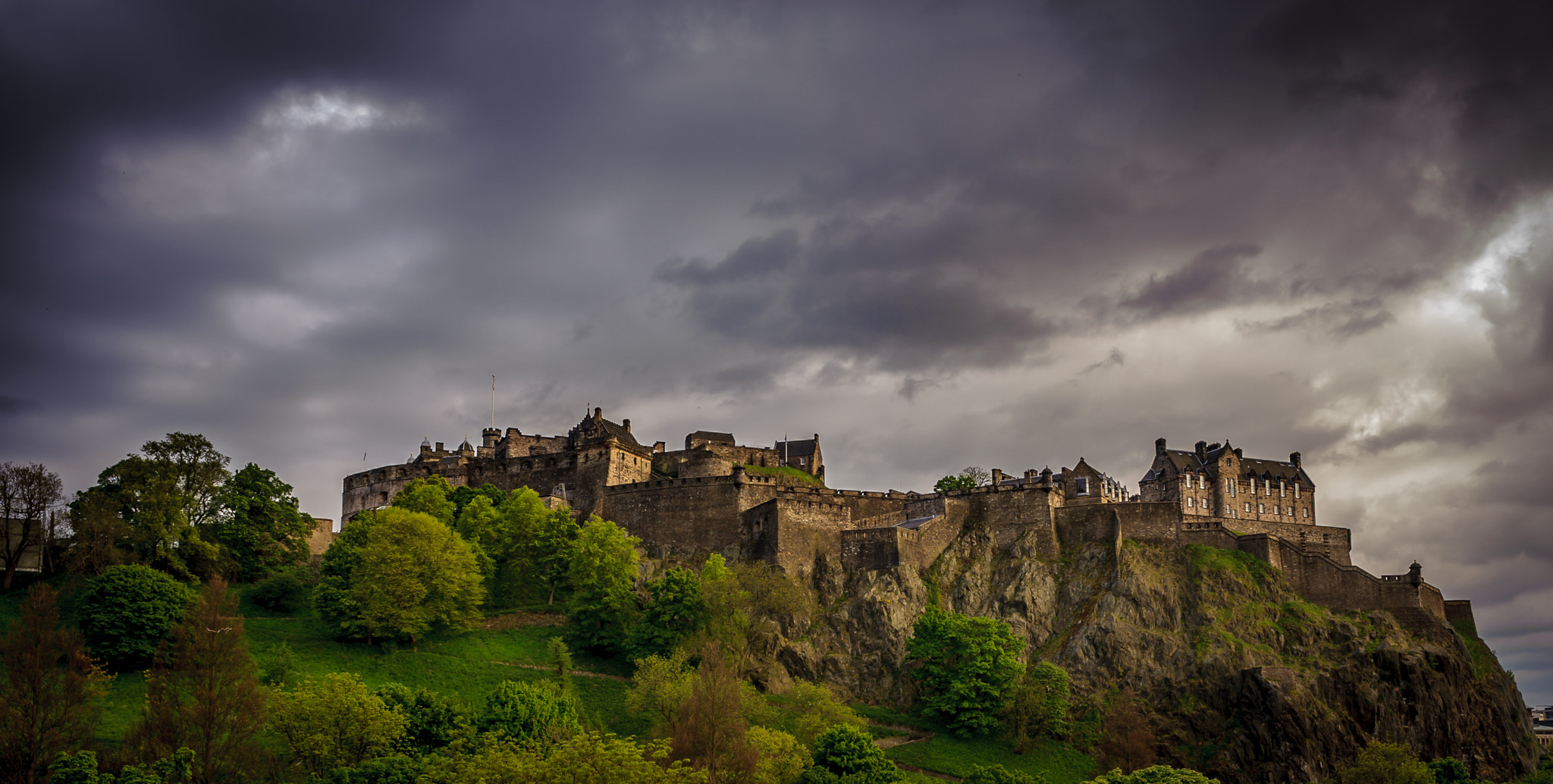 Photograph Edinburgh Castle by blank_re on 500px