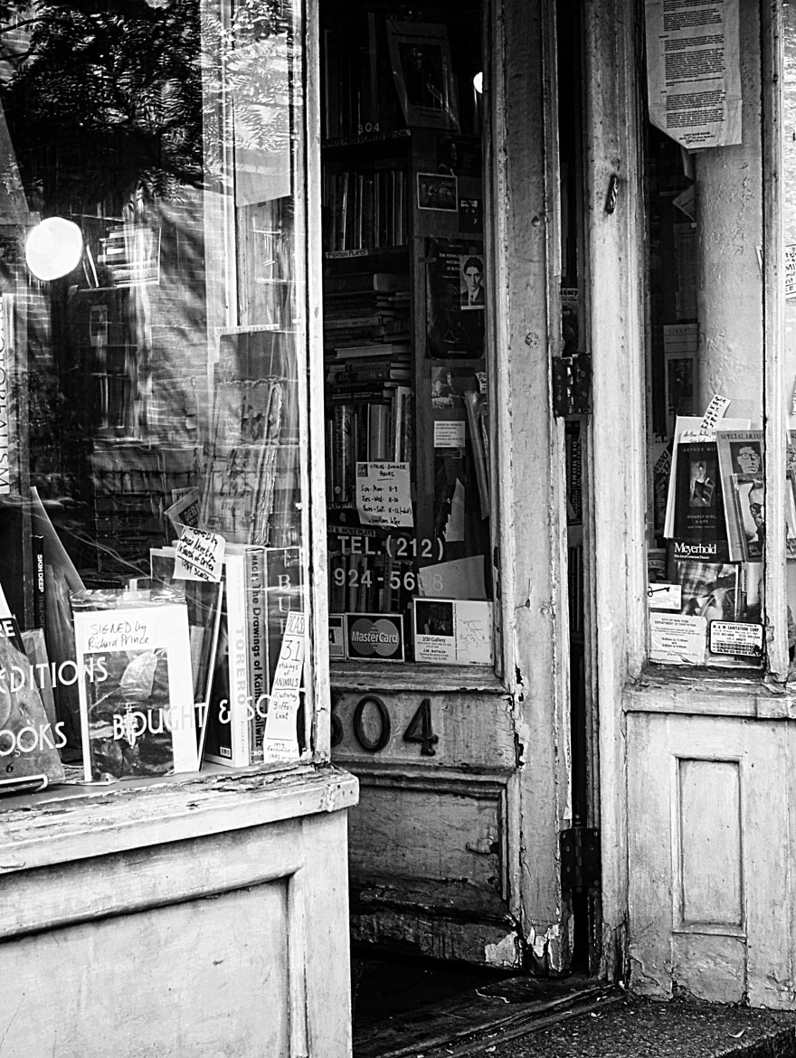 Photograph Old book store in west 4th street by Rogel Sokolin-Maimon on 500px