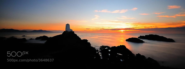 Photograph Ynys Llanddwyn Lighthouse by Kevin O'Brian on 500px