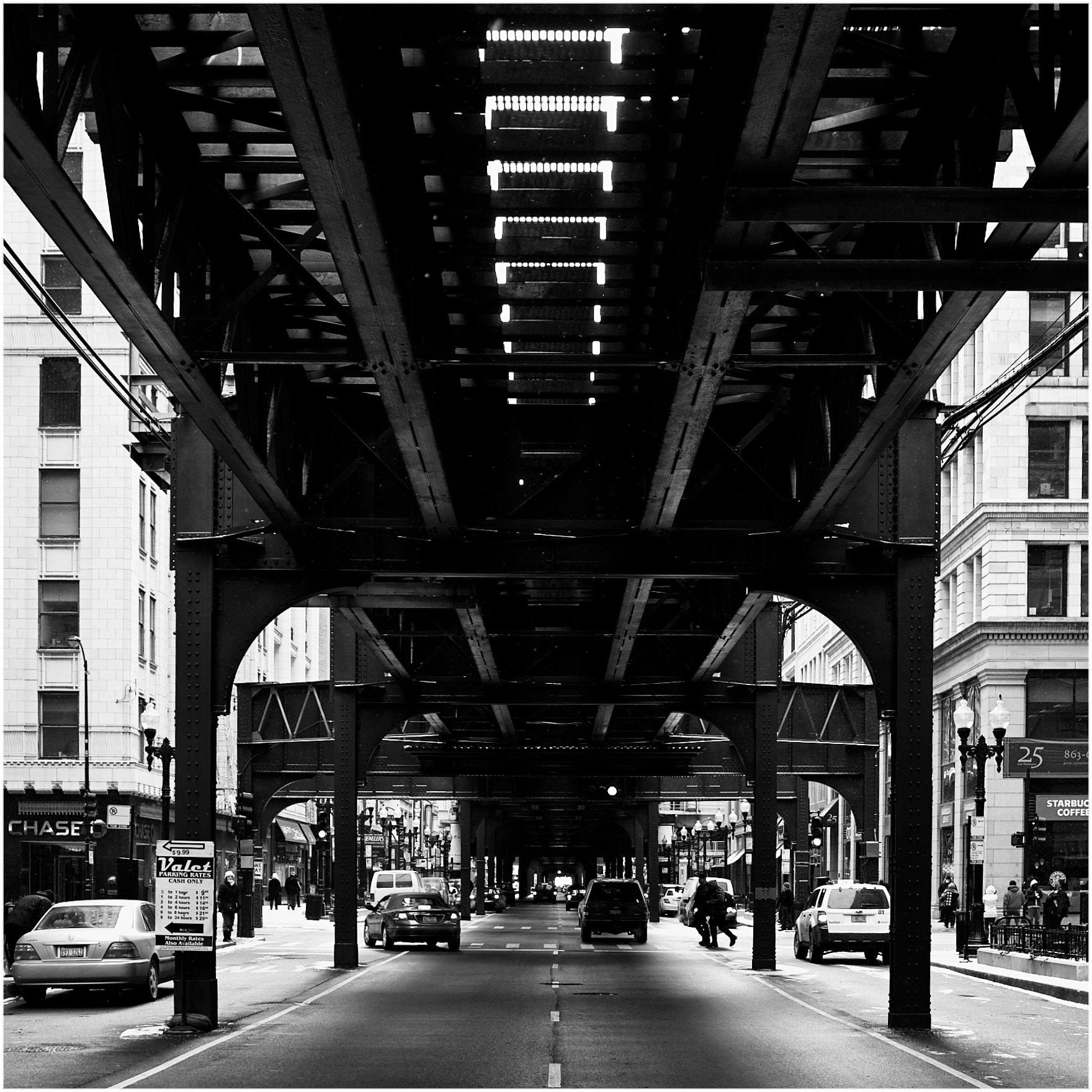 Photograph Under the L by 人夋 三木 on 500px