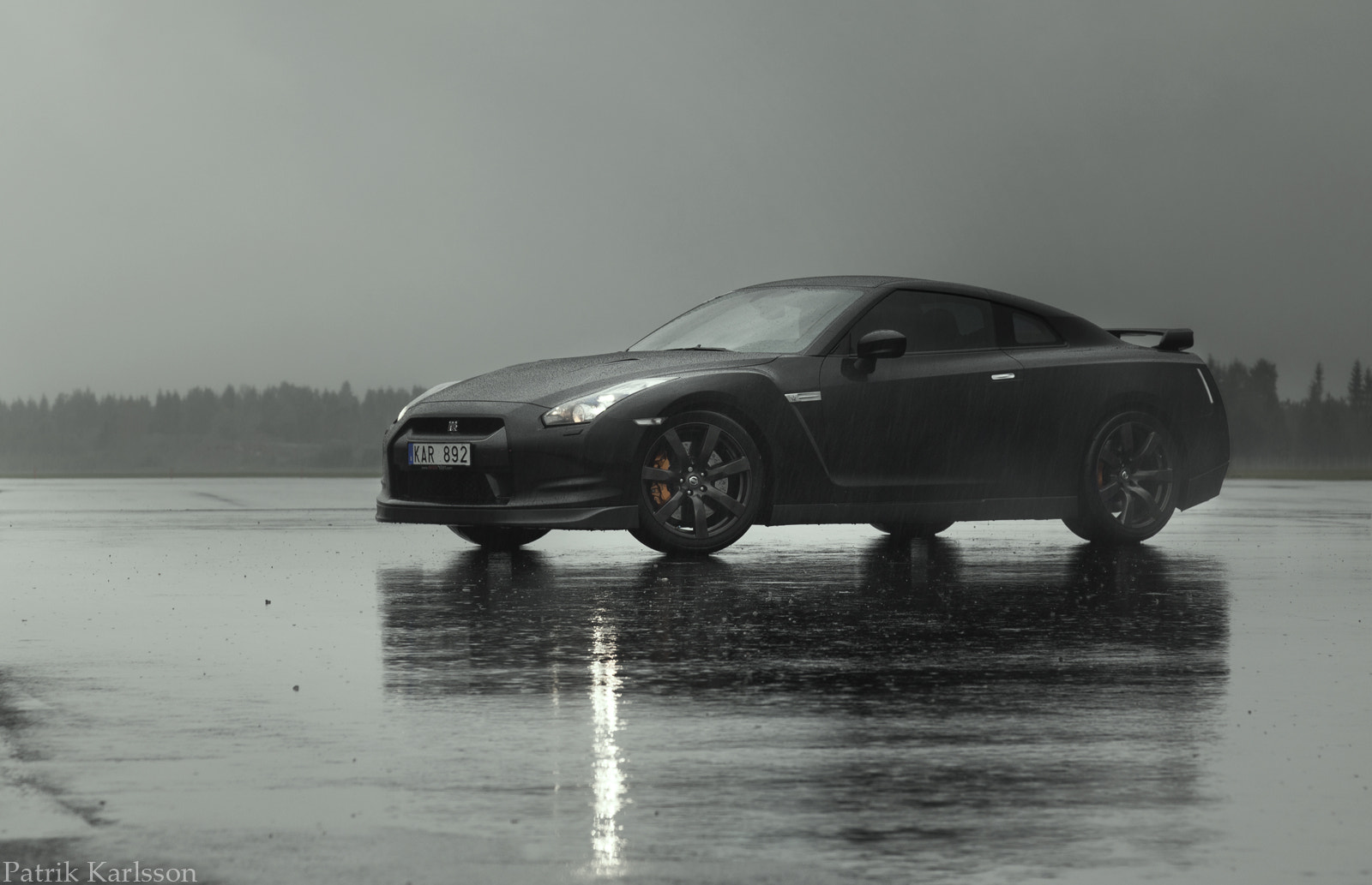 Photograph NISSAN GT-R BLACK EDITION by Patrik  Karlsson on 500px