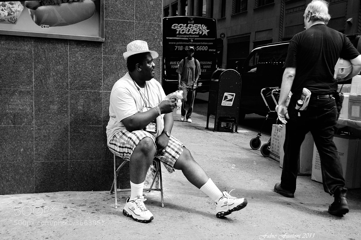 Photograph NYC pitchman by Fabio F on 500px