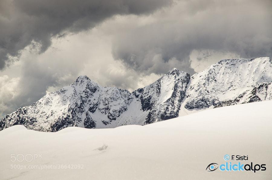 Photograph Tra le nuvole e le cime... (Vallone di Forzo, Valle Soana, Parco Nazionale Gran Paradiso, Piemonte) by Francesco Sisti on 500px