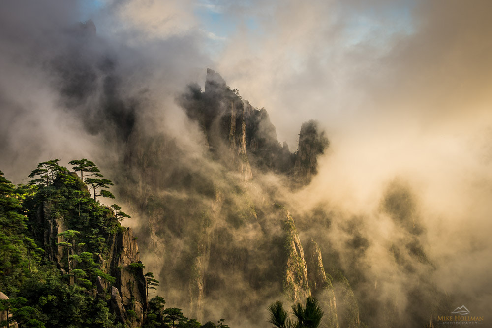 Photograph Huangshan by Mike Hollman on 500px