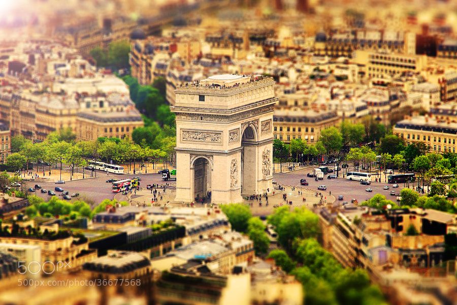 Photograph Arc De Triomphe, Paris by Sebastian Helmke on 500px