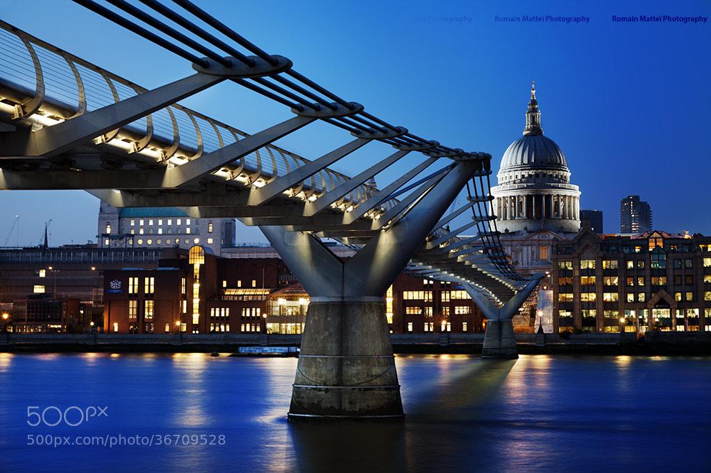 Photograph London Blue Hour by Romain Matteï on 500px