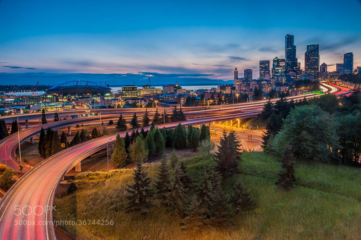 Photograph Seattle at dusk by Juan Carlos Ruiz on 500px