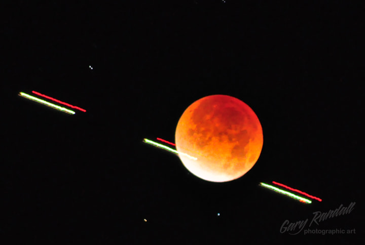 Photograph Lunar Eclipse 12-10-2011 by Gary Randall on 500px