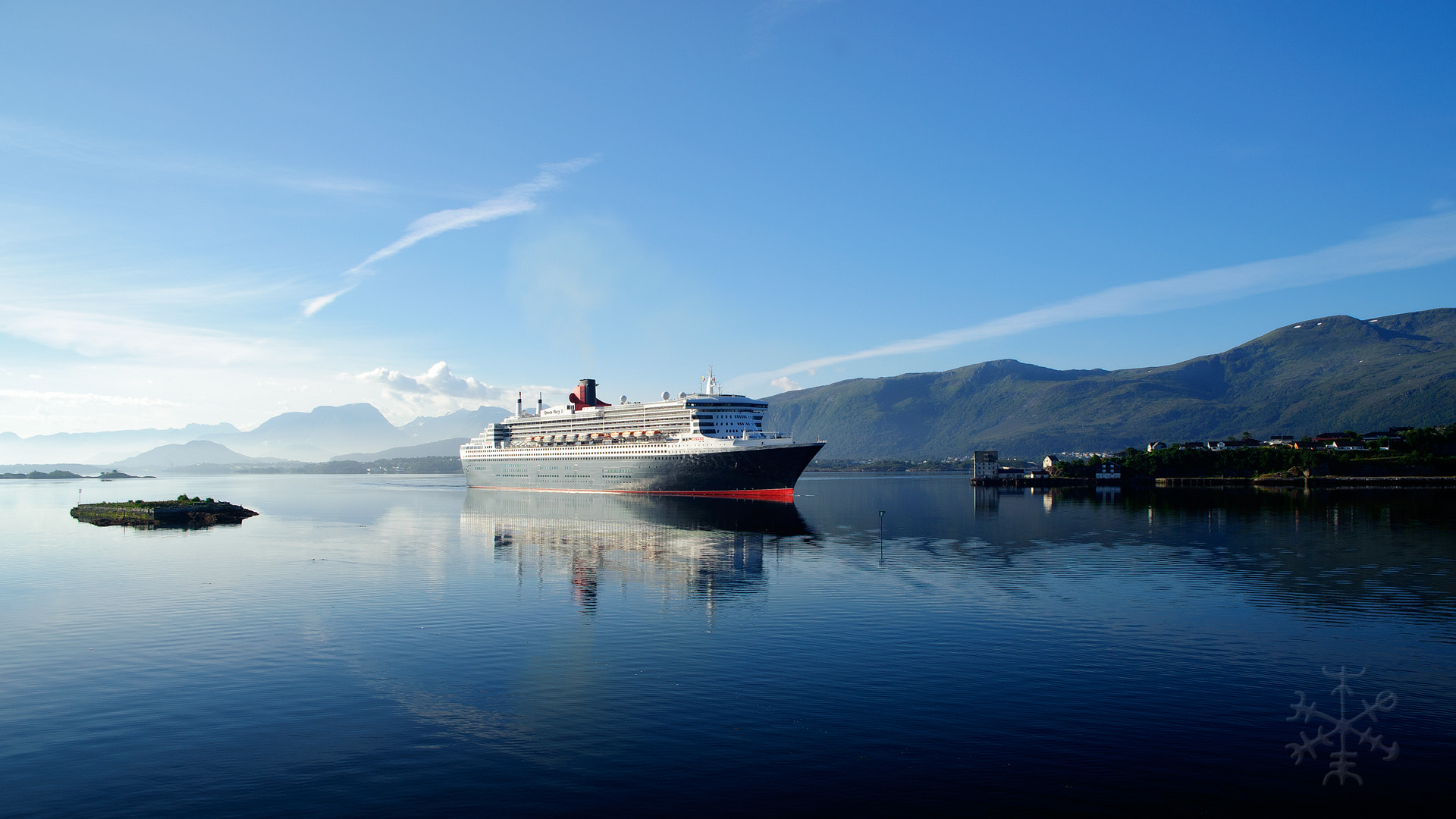 Photograph RMS QM2 by Stian Rekdal on 500px