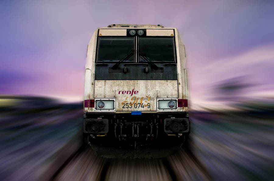 Photograph ¡¡Here Comes the Train!! by Alfon No on 500px