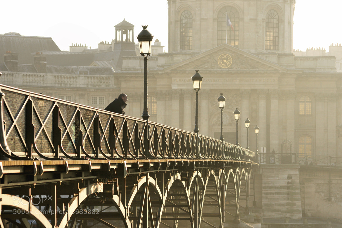 Photograph Sur le pont des arts by Aline Nédélec on 500px