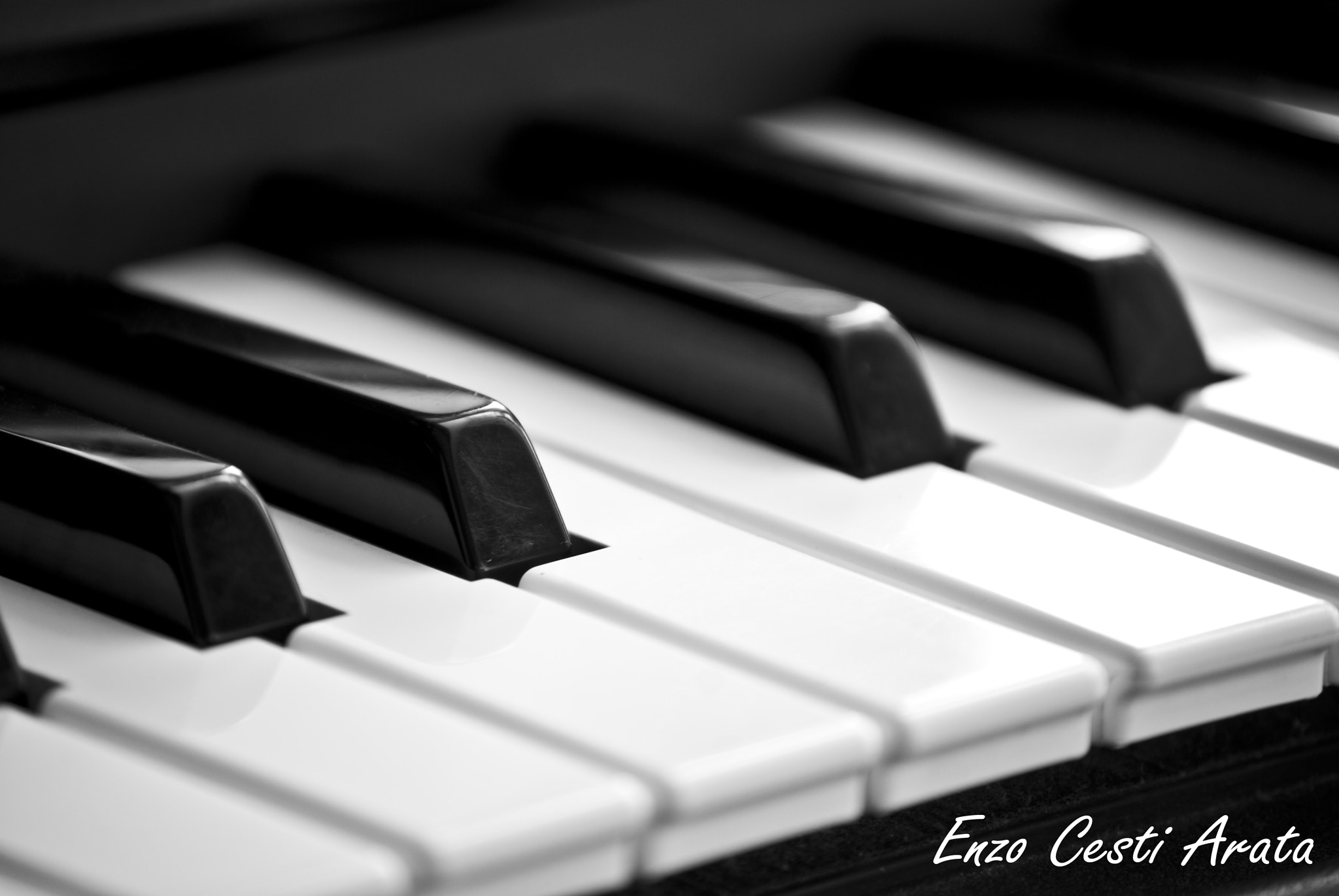 Photograph Piano by Enzo Cesti on 500px