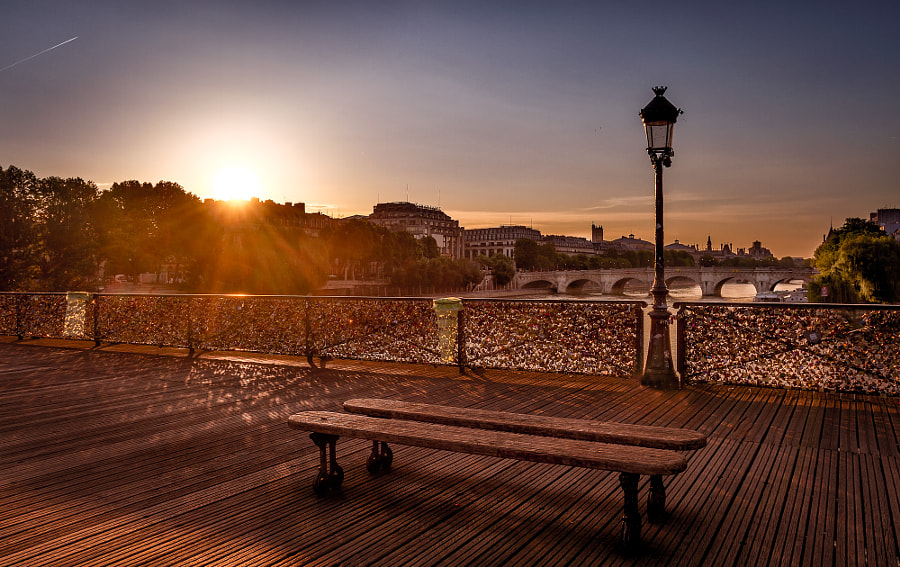 Pont des arts Paris, sunrise
