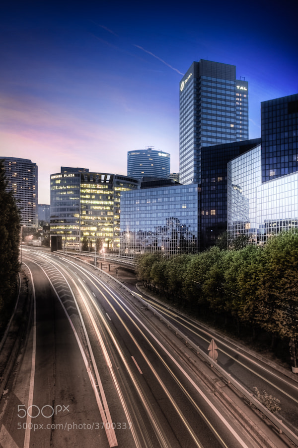 Photograph La défense highway paris by Ramelli Serge on 500px