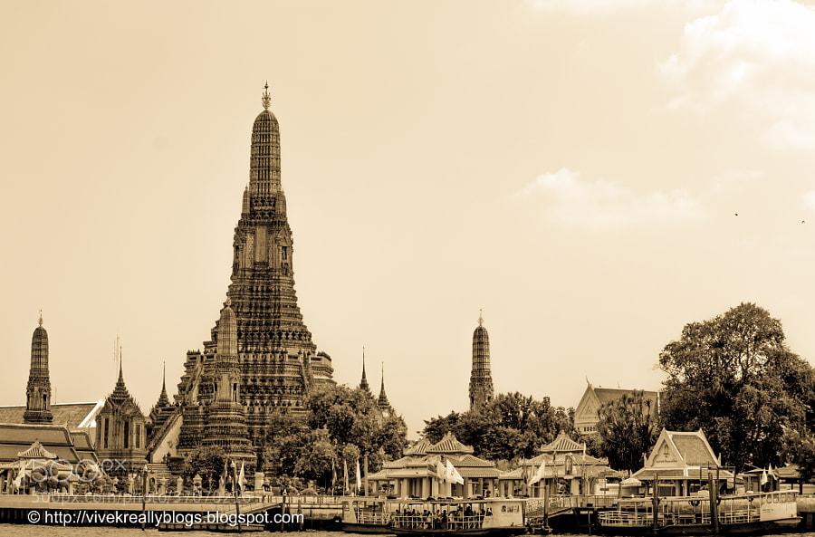 Wat Arun by Vivek Pandey (pandeyvivek)) on 500px.com