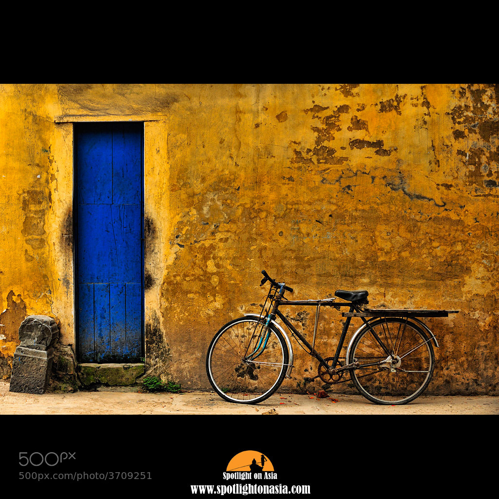 Photograph Blue door by Malcolm Fackender on 500px