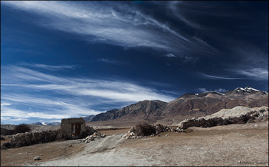 A lonely door on outskirts of Lo Montang, the capital of Mustang.