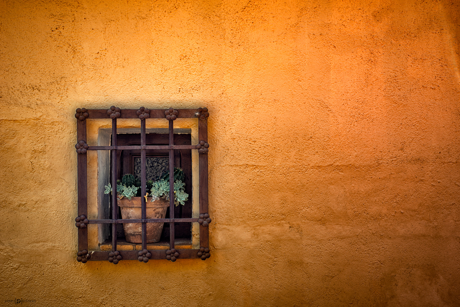 Photograph Window in Toledo by Pedro Salvador on 500px