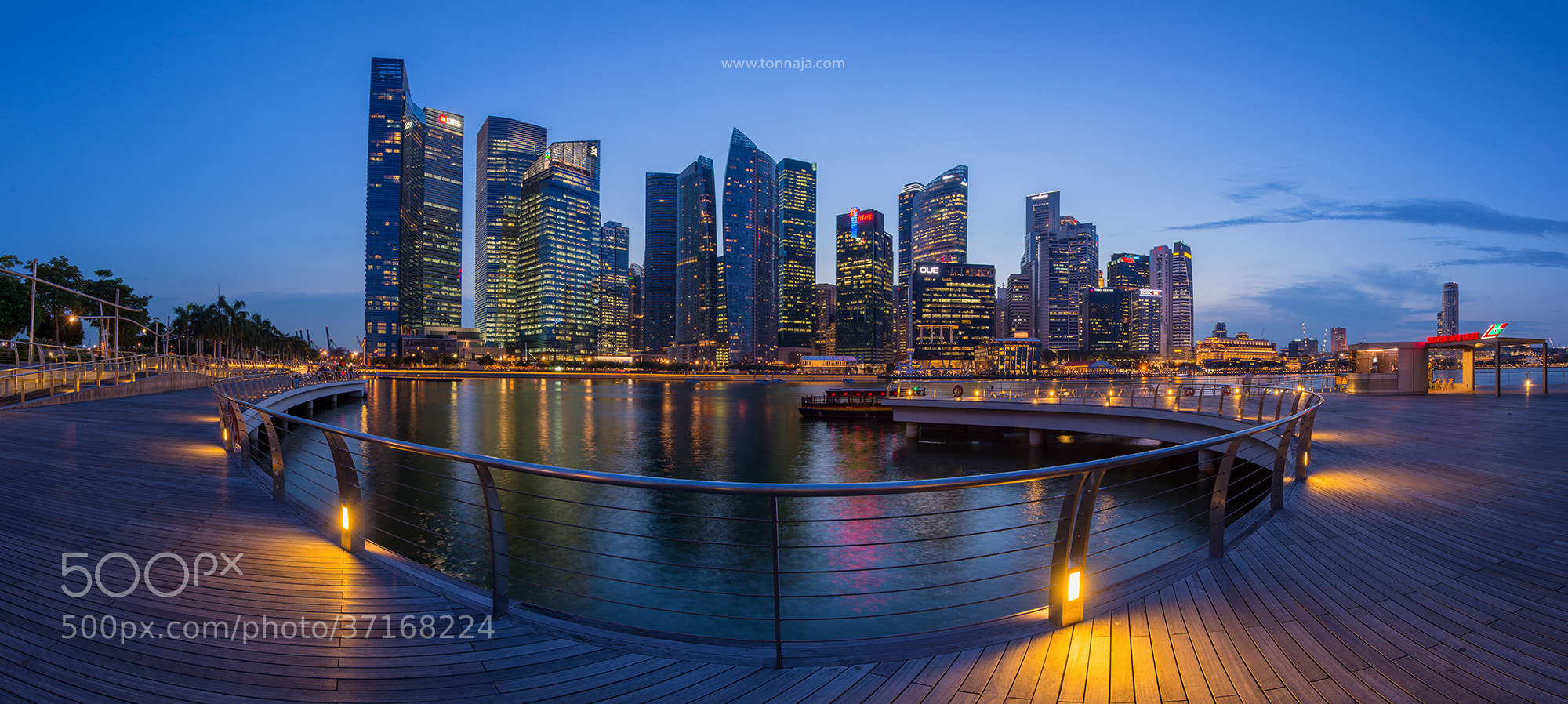 Photograph Business Building in Singapore by Tonnaja Anan Charoenkal on 500px